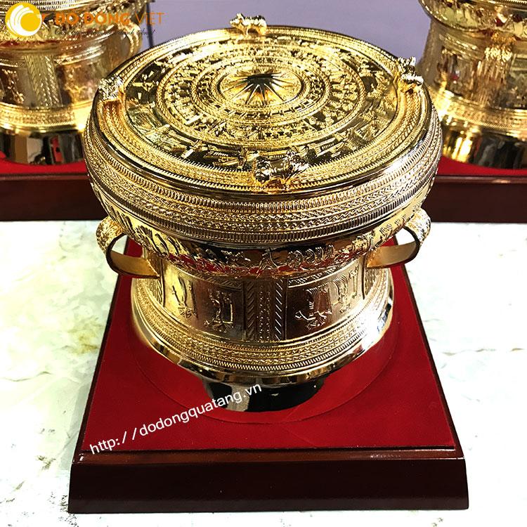 bộ trống họa thiện ngọc lũ mạ vàng 24k cao cấp gắn đế gỗ,nền nhung,hộp đựng tinh tế