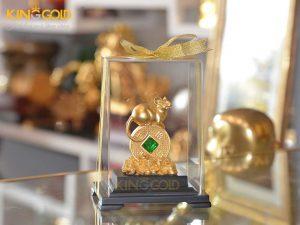Giá bán tượng chuột phong thủy nằm trên đồng tiền