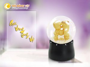 Quà vàng tặng vợ, tượng dát vàng 24k trong quả cầu thủy tinh