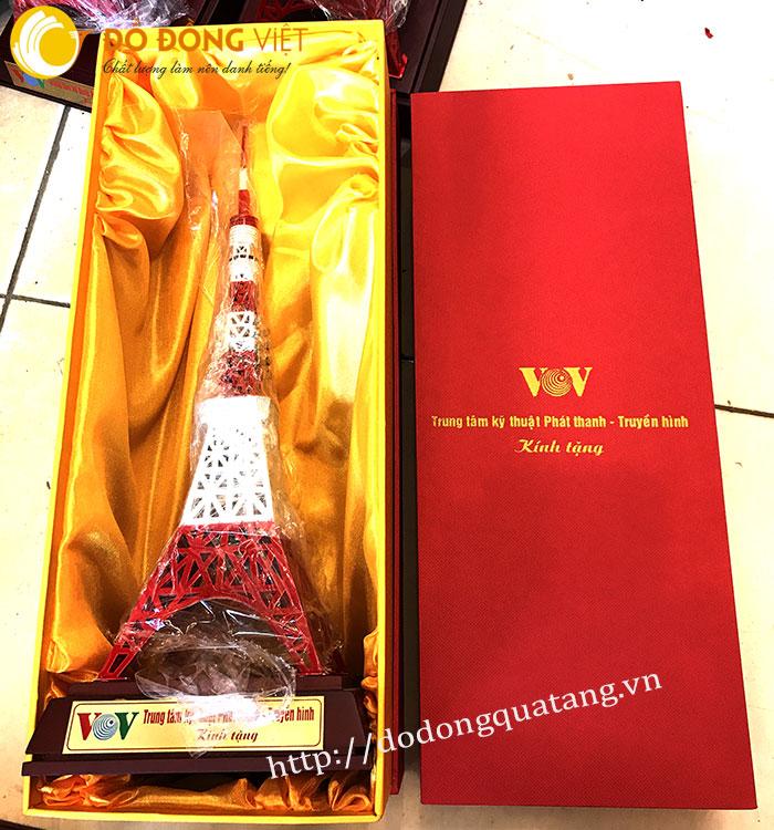 quà tặng tháp truyền hình đúc bằng đồng làm quà lưu niệm vtv,vov