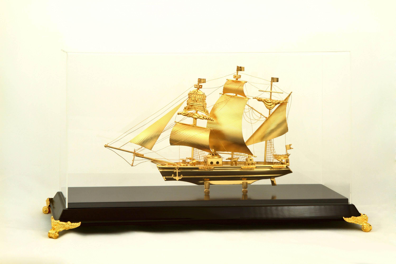 Mô hình thuyền buồm cỡ nhỏ để bàn làm việc ý nghĩa,quà tặng doanh nhân