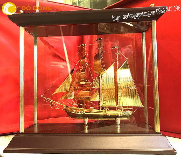Hình ảnh thuận buồm xuôi gió là món quà phong thủy đẹp và trang trọng nhất