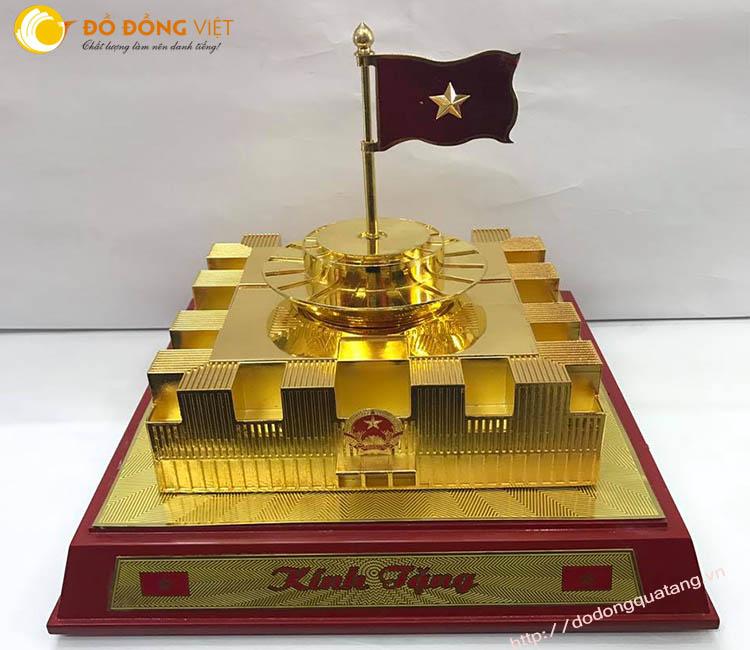 Mô hình nhà Quốc hội mới bằng đồng mạ vàng 24k cao cấp0