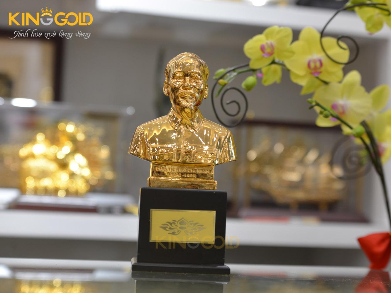 Đồ đồng Việt đúc tượng Bác Hồ cỡ nhỏ mạ vàng 24k0