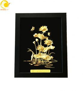 Tranh phong cảnh cụm sen vàng 24k đẹp tuyệt mỹ