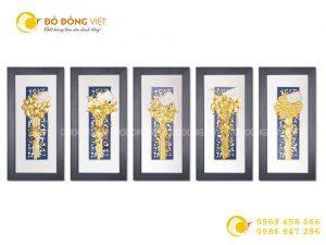 Quà cưới ý nghĩa- tranh bó hoa dát vàng