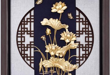 Tranh hoa sen vàng- quà tặng độc đáo cho khách nước ngoài