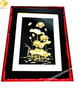 Tranh hồ sen vàng 27 x 34 cm đẹp tinh xảo