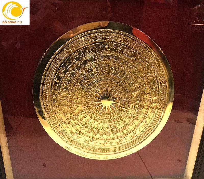 Mặt trống đồng đúc dk 30cm mạ vàng 24k khung 50cm đẹp và mạ vàng