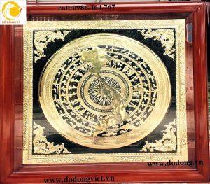 Khung tranh trống đồng liền khắc bản đồ Viêt nam