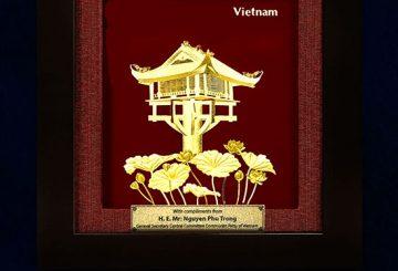 Qùa lưu niệm Tổng bí thư tặng quan chức Quốc tế sang thăm Việt nam