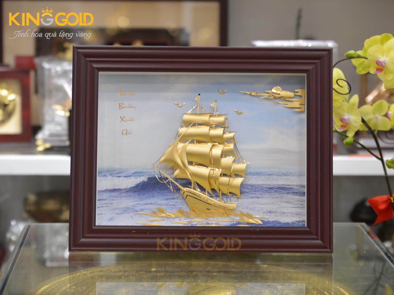 Quà tặng tân gia- tranh vàng 24k thuận buồm xuôi gió0