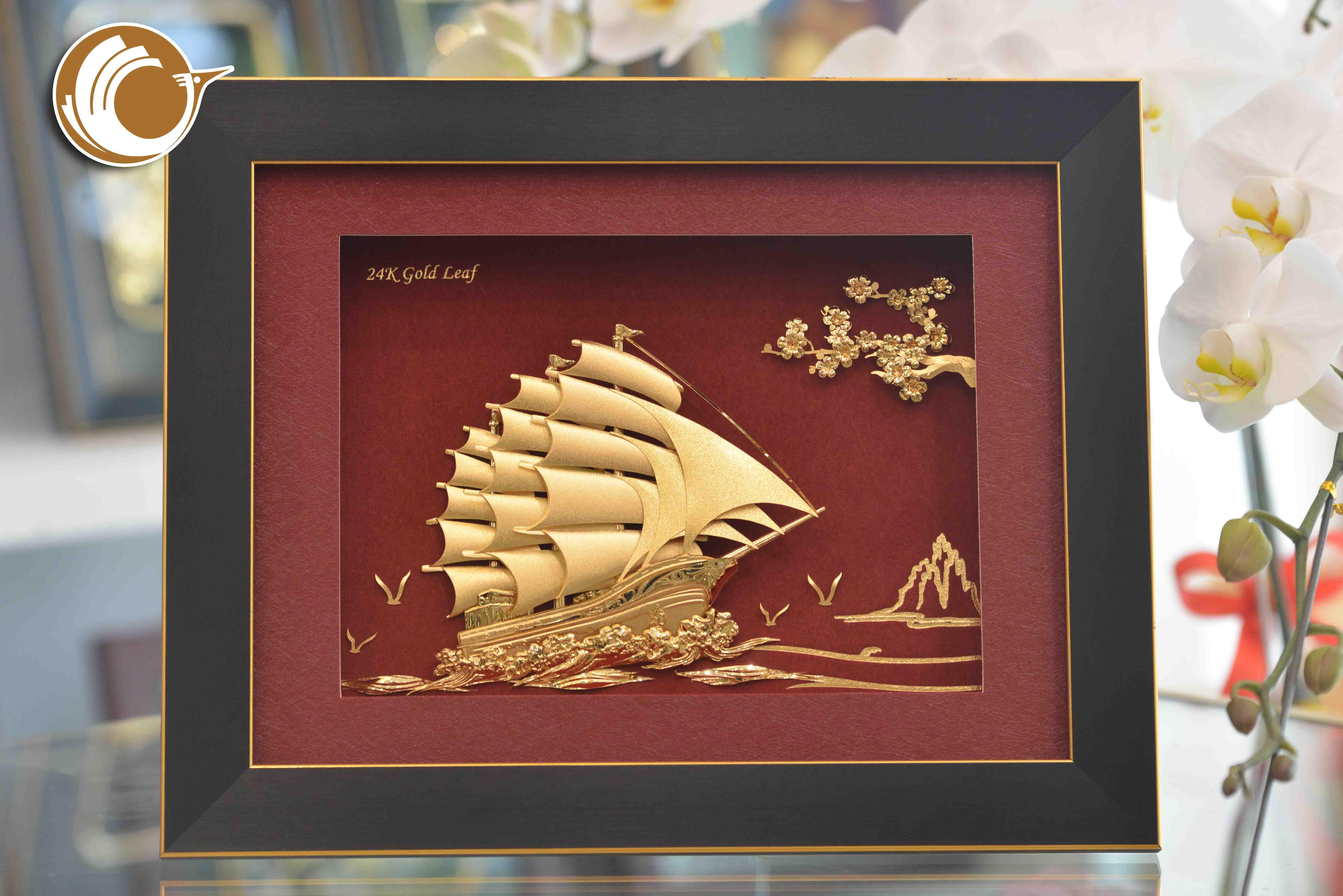 Quà Tặng Doanh Nghiệp- Tranh Thuyền Hoa Mai Dát Vàng0