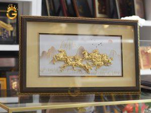Tranh mã đáo thành công dát vàng 24k làm quà tặng khai trương ý nghĩa