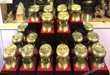 Những mẫu quà tặng bằng đồng hoặc mạ vàng đẹp