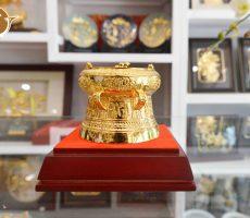 Quà tặng trống đồng mạ vàng đường kính 7cm, quà tặng sự kiện công ty