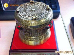 Mua quà tặng bằng đồng cho đối tác nước ngoài ở đâu Hà Nội