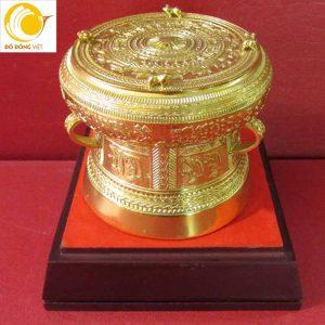 Trống đồng mạ vàng 24k đẹp sang trọng, quà lưu niệm đặc trưng Việt Nam