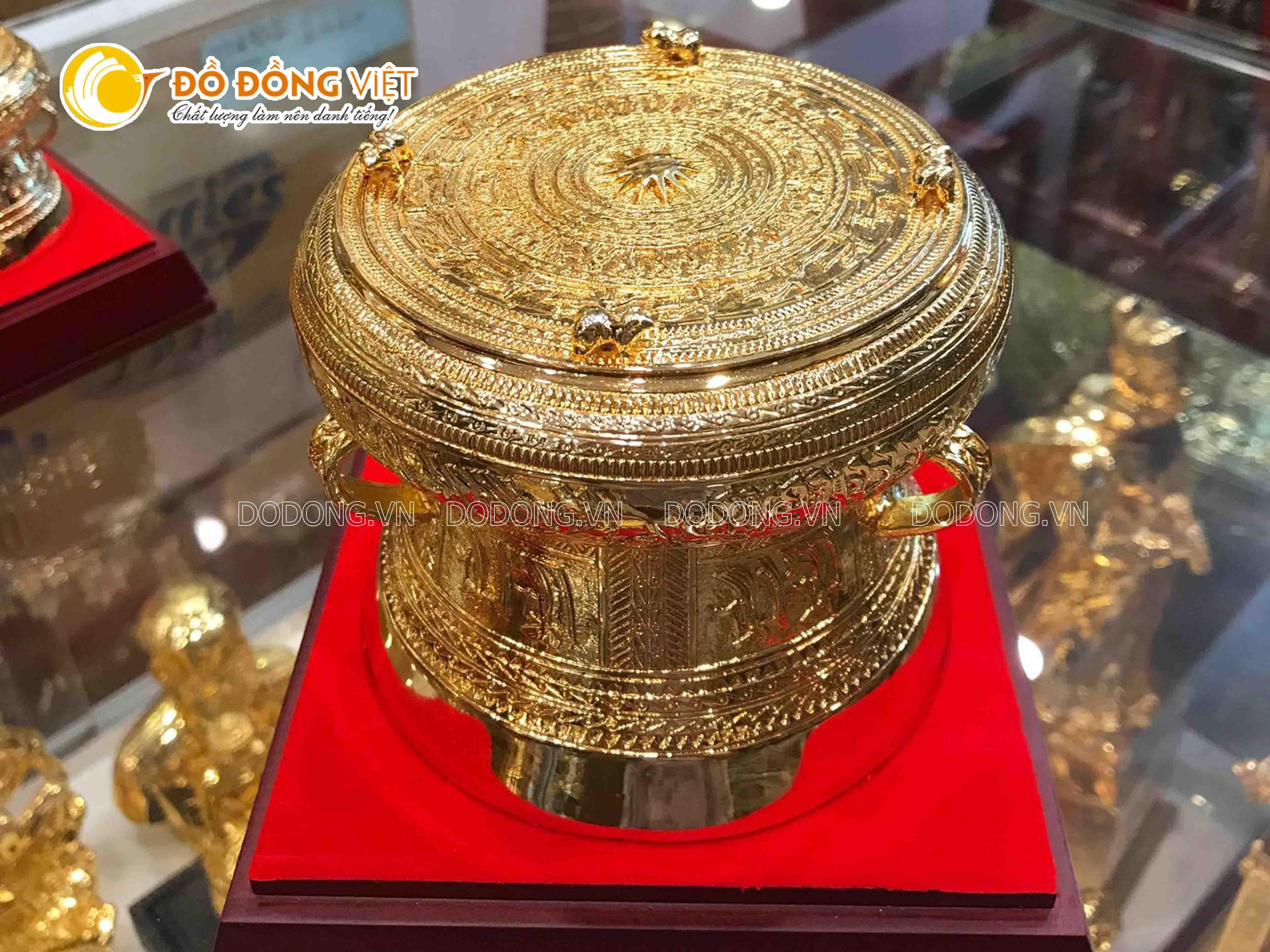 Quà tặng trống đồng mạ vàng đẹp tinh xảo0