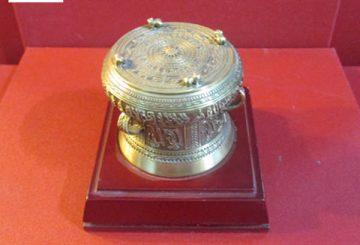 Trống đống mạ vàng rẻ đẹp dành tặng khách nước ngoài