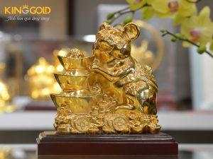 Quà tặng phong thủy- Tượng chuột bên Kim Nguyên Bảo dát vàng