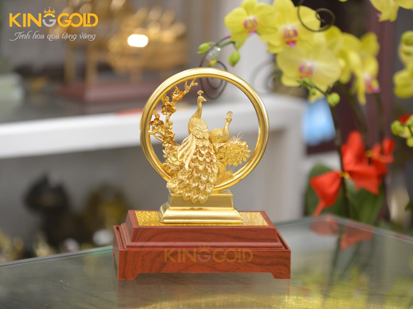 Biểu trưng chim công bằng vàng 24k đẹp tinh xảo0