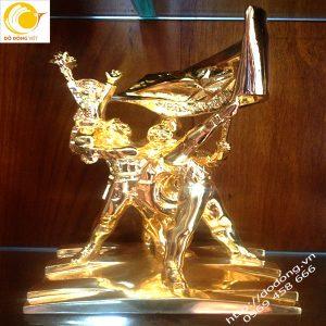Tượng đồng điện biên phủ bằng đồng mạ vàng cao cấp cao 30cm