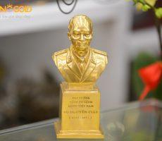 Đúc tượng đại tướng Võ Nguyên Giáp mạ vàng 24k