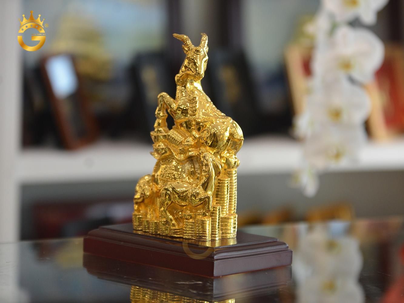 Quà tặng linh vật dê mạ vàng 24k cao cấp0