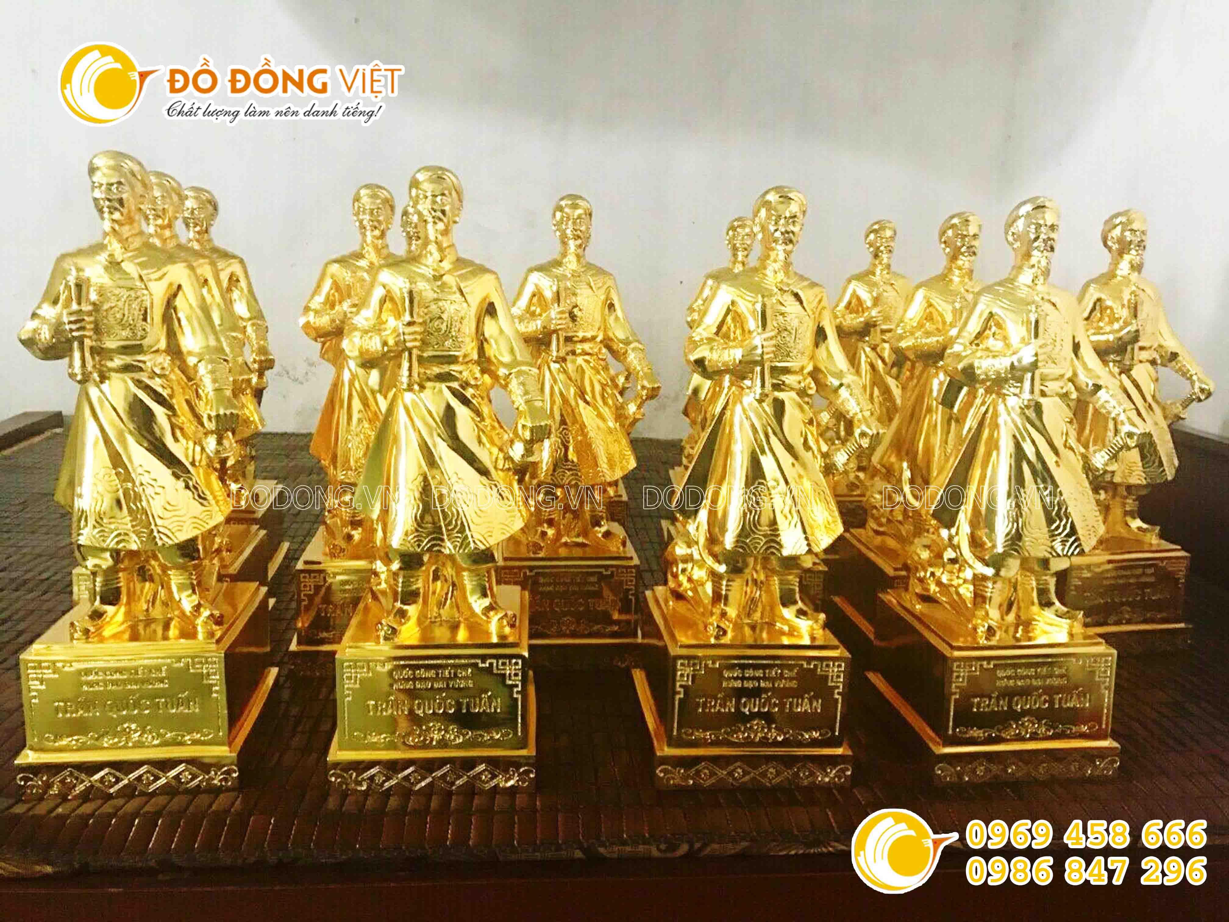 Tượng đồng Hưng Đạo Đại Vương mạ vàng 24K0