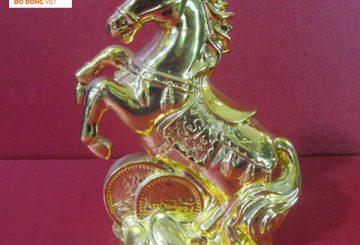 Tượng ngựa bằng đồng mạ vàng 24k