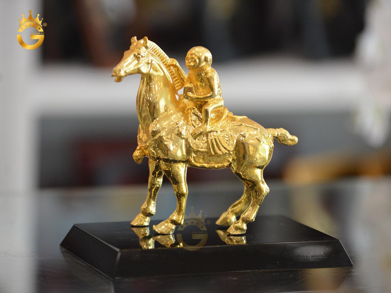 Tượng mã thượng phong hầu mạ vàng 24k- quà tặng linh vật phong thủy0
