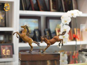 Địa chỉ bán tượng linh vật ngựa đồng làm quà tặng phong thủy