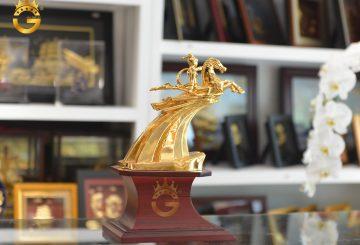 Tư vấn mẫu quà tặng tượng Thánh Gióng mạ vàng 24k