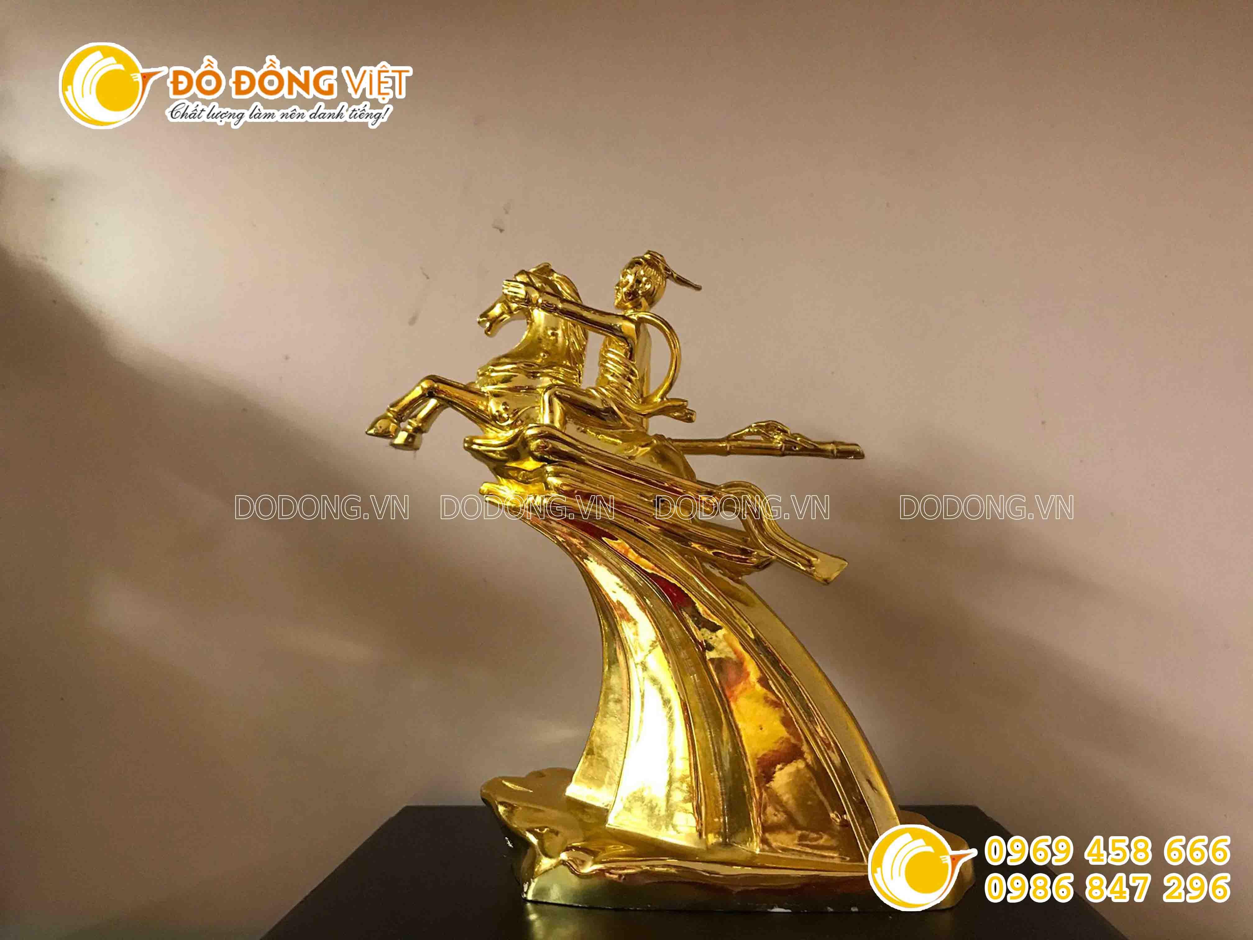 Địa chỉ bán tượng thánh gióng bằng đồng mạ vàng0