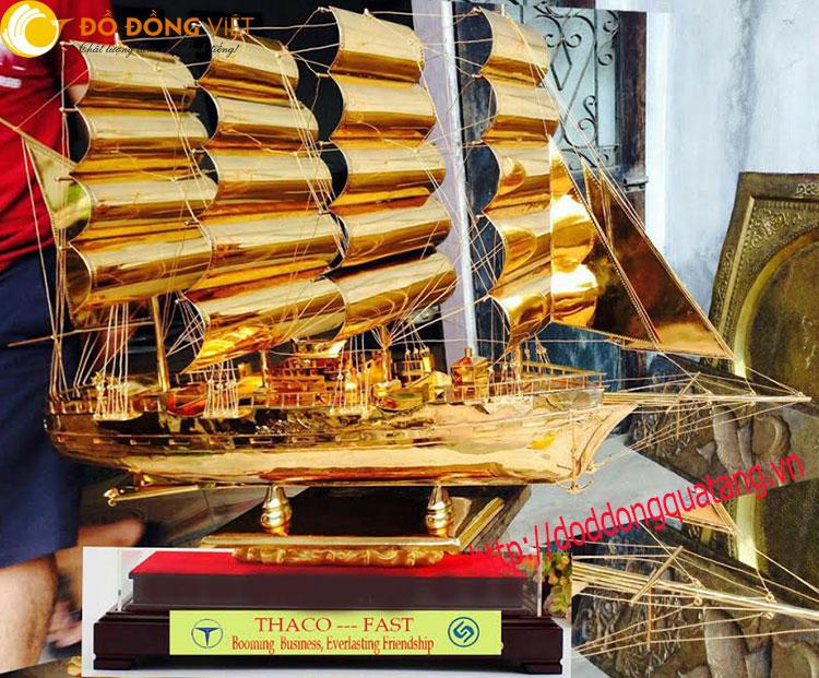 Thuyền buồm mạ vàng – quà kỷ niệm doanh nghiệp ý nghĩa0
