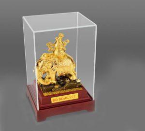 Voi phong thủy dát vàng bày trí triêu tài lộc