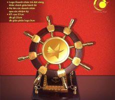 Bánh lái mạ vàng – Đại hội doanh nghiệp trẻ Việt nam